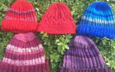 てとてブースでは手紡ぎ糸の編み物も!